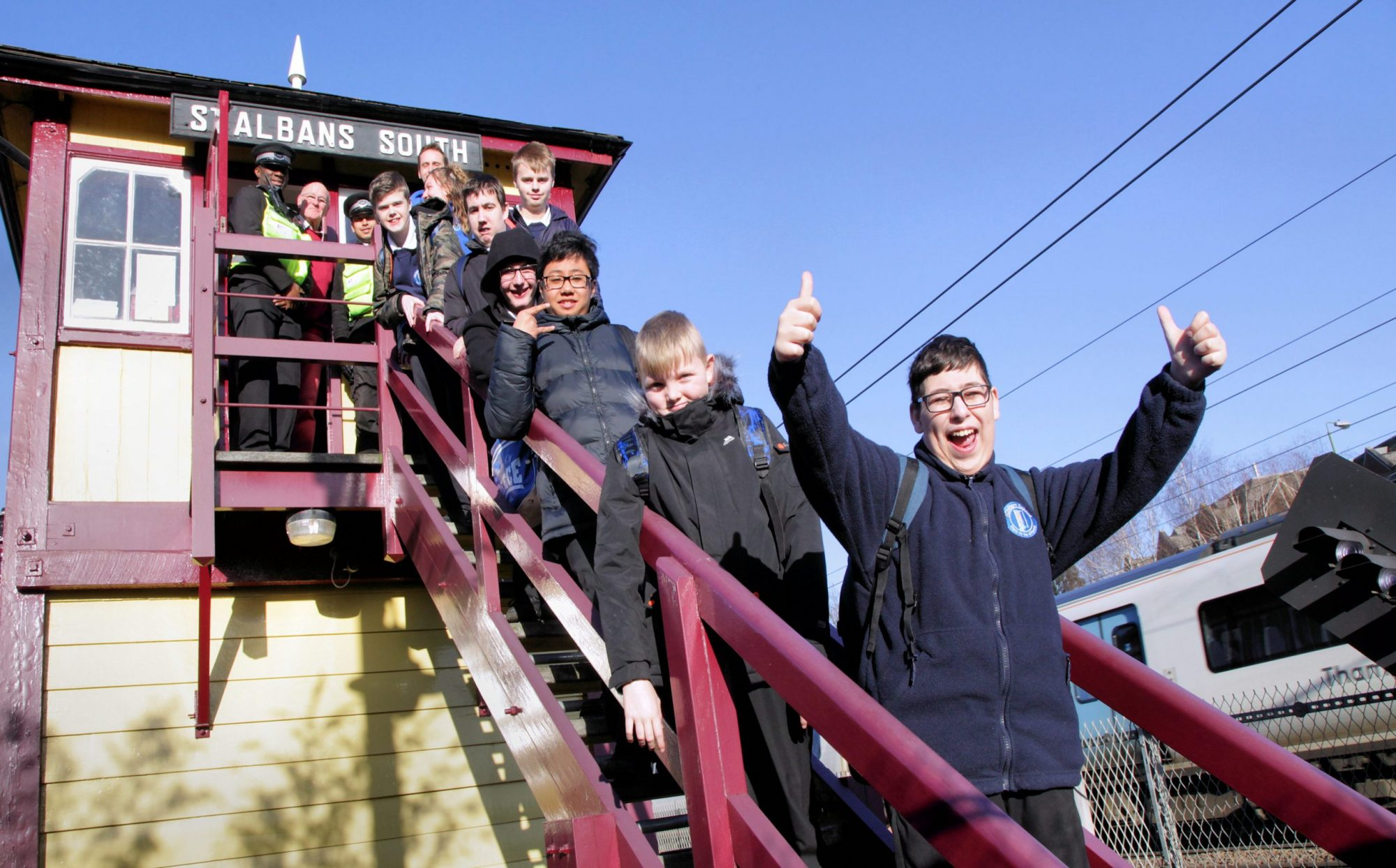 School children at St Albans station